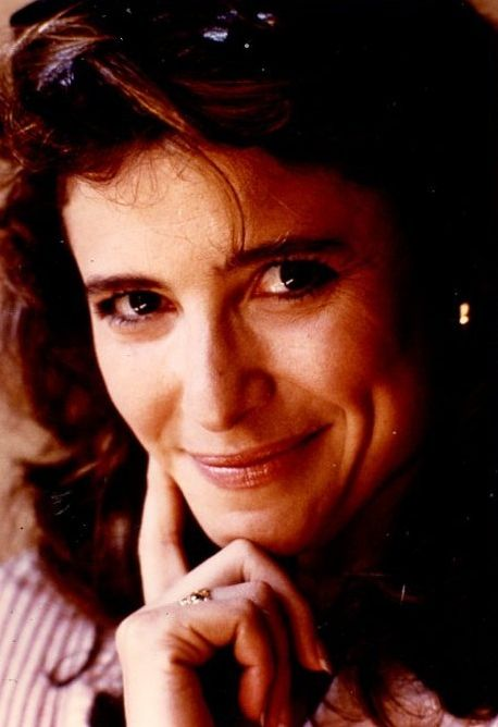 Mimi Rogers Photo Gallery 01